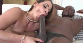 Miss Raquel thick girl porn Carrying A Third Leg WcpClub, Rizzzzip
