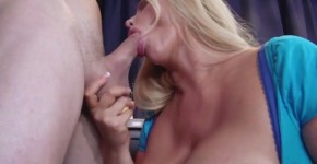 Mommy Got Boobs com Karen Fisher Who Wants Pie 2014 HD 720, Widedfind