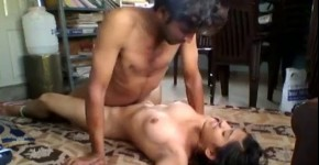 Hot Indian 69, hintend