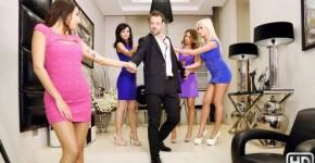 Meeting Arian Joy, Suzy Rainbow And Other Girls With New Neighbor, realitykings