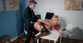 Lilli Vanilli-Putting It In Her Slot, Takimy8000