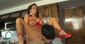 Seductive Mother Veronica Avluv Filthy Family Scene 5, Visonals