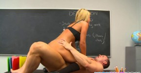 Blonde schoolgirl Holly Taylor gets nailed, t34chm3now