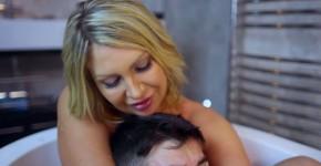 Bathing Your Friends Dirty Sexy Mama Leigh Darby Jordi El Nino Polla, Othaieko