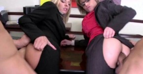 Riley Evans and Velicity Von show us sodomy In the office with secretaries, Gtiraspas