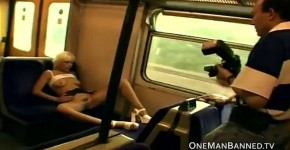 Layla Jade Has Fun With The Other Passengers, poroshok