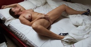 Wife at home fingering herself, roquet